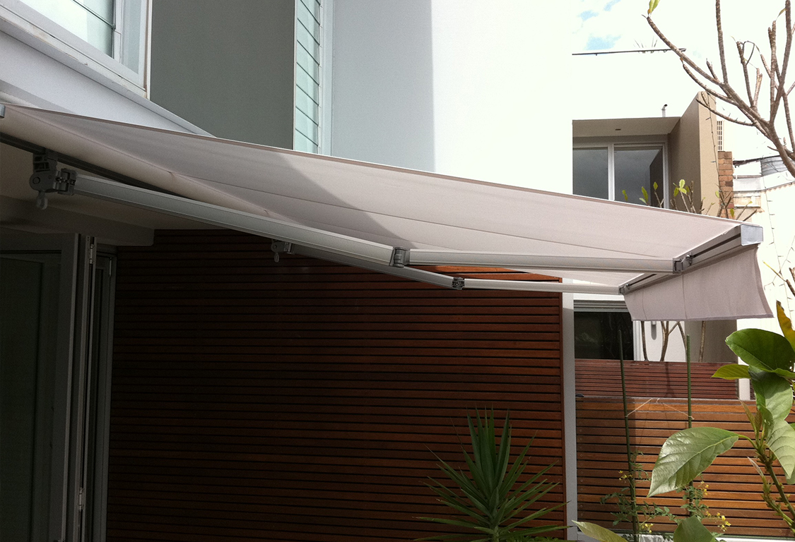 Folding Arm Awnings in Sydney & Melbourne | Wynstan